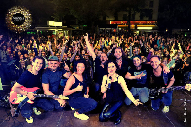 Sylvia Gonzalez Bolivar with GROOVE Delighters - Hammer Strassenfest Muenster - Aug. 2017